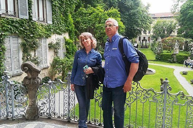 Η Ελλη και ο Γιώργος Τσιμπίδης, δημιουργοί του Οινοποιείου της Μονεμβασίας στην Πάρμα